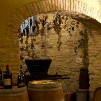 arco dopo il quale creare scaffale per bottiglie vino